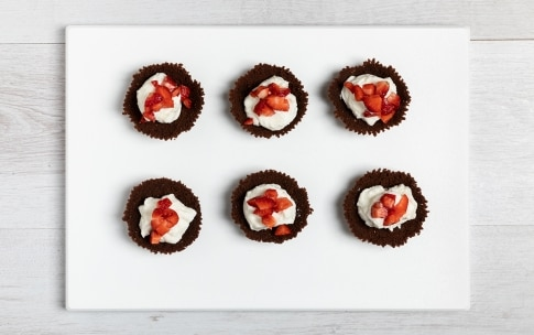 Preparazione Cestini cioccolato, ricotta e frutta fresca  - Fase 3