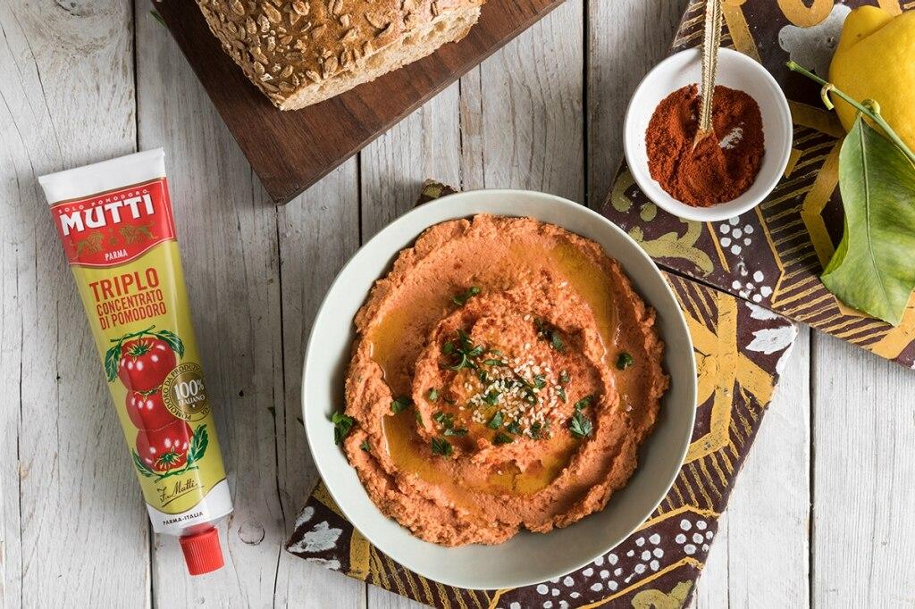 Hummus di ceci al pomodoro