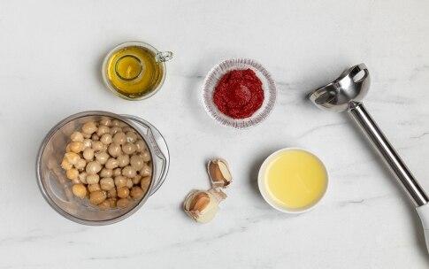 Preparazione Hummus di ceci al pomodoro - Fase 2