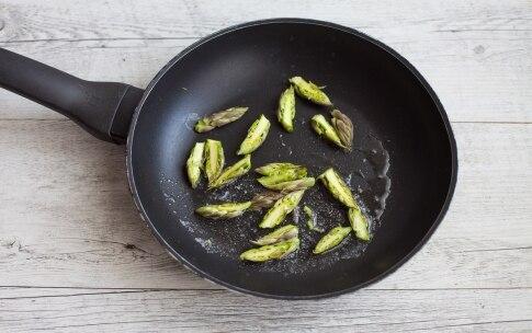 Preparazione Risotto agli asparagi con il Bimby - Fase 1