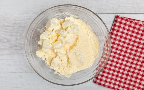 Preparazione Sbriciolata senza glutine con ricotta e frutti di bosco - Fase 2