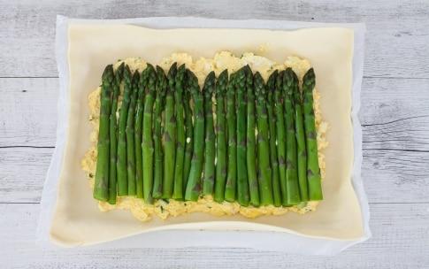 Preparazione Torta salata con asparagi, ricotta, erba cipollina e gruyère  - Fase 2