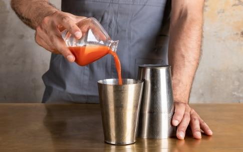 Preparazione Bloody Mary - Fase 1