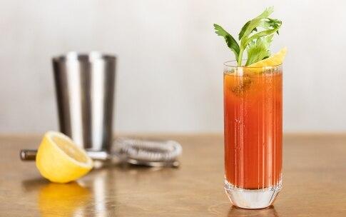 Preparazione Bloody Mary - Fase 6