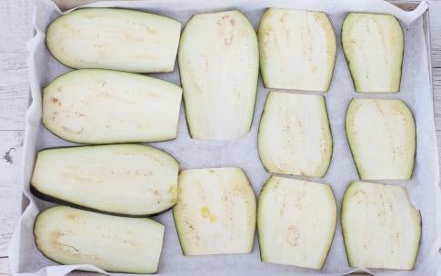Preparazione Involtini di melanzane al forno - Fase 1