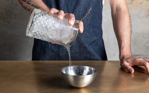 Preparazione Dry Martini  - Fase 1