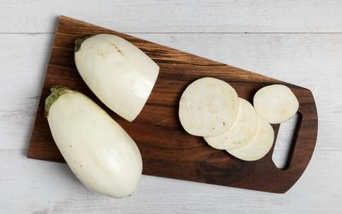 Preparazione Pizzette di melanzane bianche - Fase 1