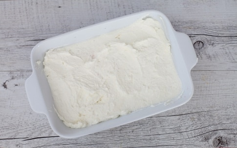 Preparazione Tiramisù alle fragole senza uova - Fase 3