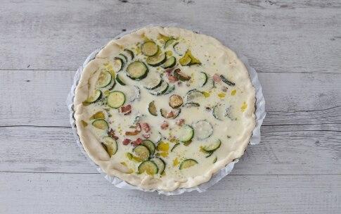 Preparazione Torta salata alle zucchine - Fase 4