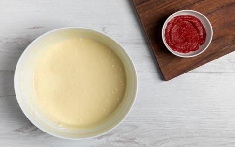 Preparazione Pancake salati al pomodoro, avocado e gamberetti - Fase 2