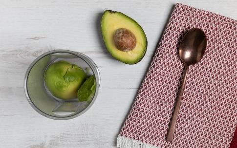Preparazione Pancake salati al pomodoro, avocado e gamberetti - Fase 4