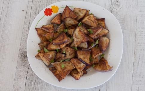 Preparazione Pasta con le melanzane in bianco - Fase 2