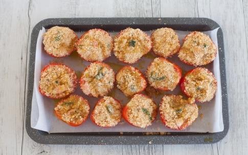Preparazione Pomodori gratinati - Fase 3