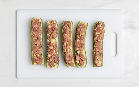 Preparazione Zucchine ripiene di carne - Fase 4