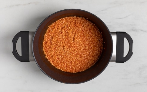Preparazione Risotto al concentrato di pomodoro - Fase 3