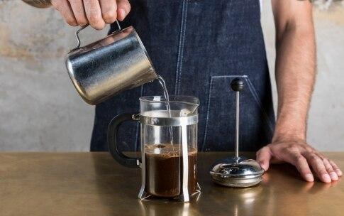 Preparazione Irish coffee - Fase 1