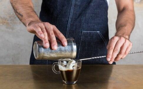 Preparazione Irish coffee - Fase 4