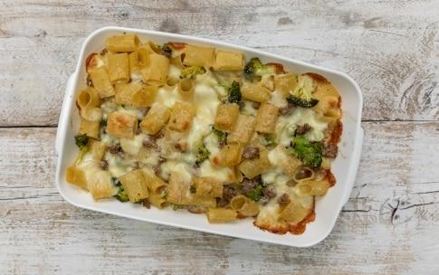 Preparazione Pasta pasticciata broccoli e salsiccia - Fase 4