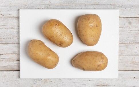 Preparazione Patate ripiene di verdure e formaggio - Fase 1