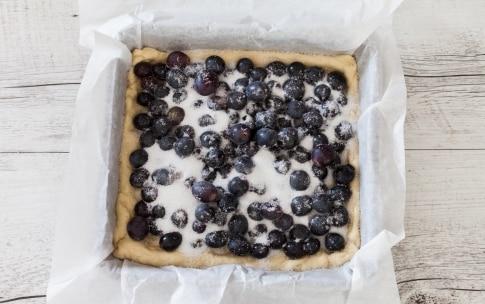 Preparazione Schiacciata con l'uva - Fase 3