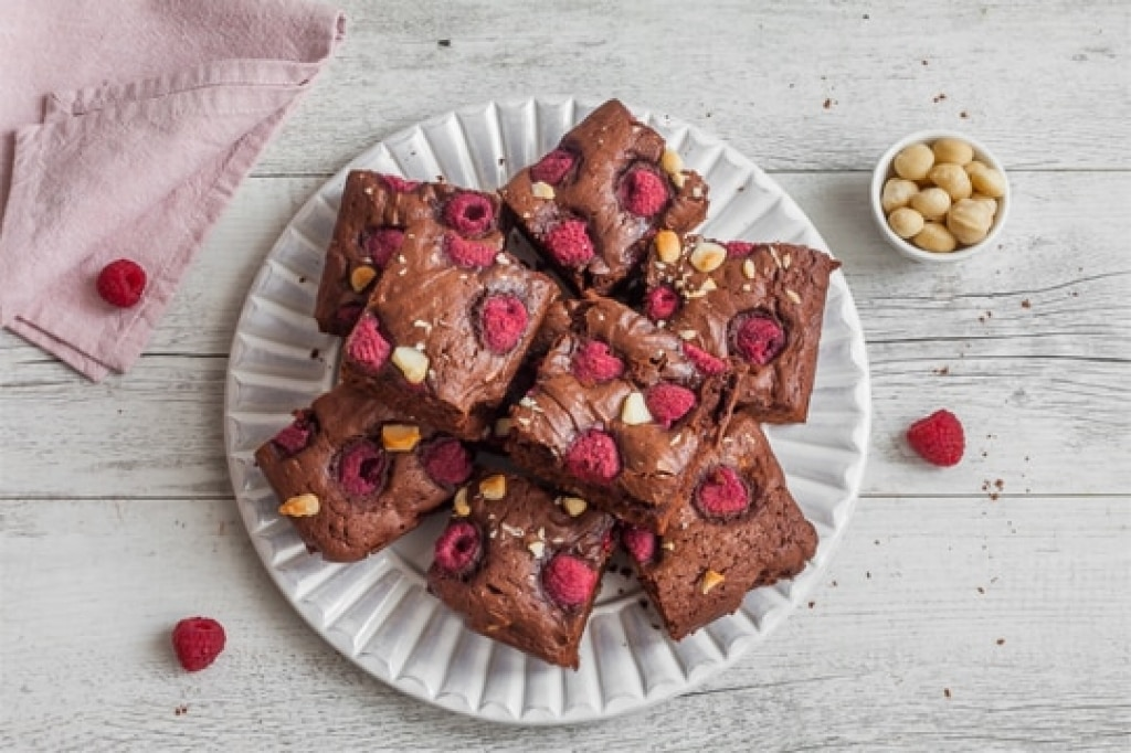 Brownies cioccolato e yogurt alla fragola