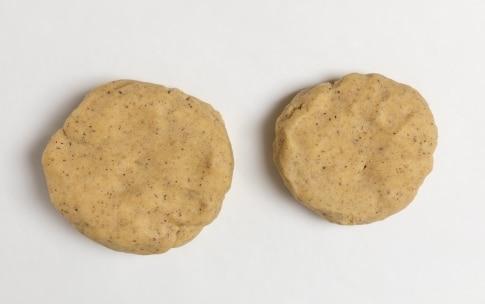 Preparazione Crostata ripiena alla confettura di aronia, ribes nero e lampone - Fase 2