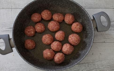 Preparazione Polpette speziate con salsa tex-mex - Fase 4