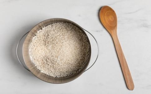 Preparazione Risotto al taleggio con aceto balsamico - Fase 1