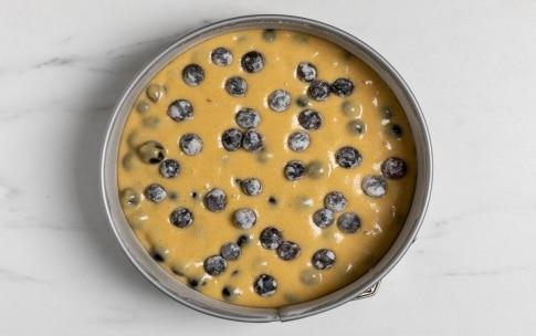 Preparazione Torta morbida all'uva fragola - Fase 2