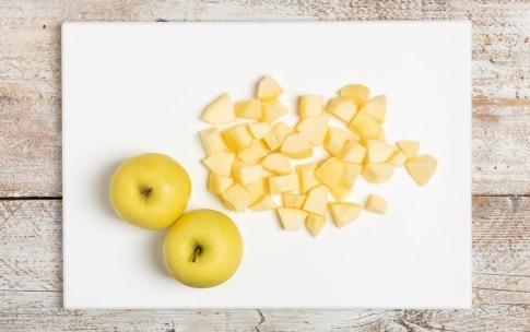 Preparazione Torta di mele senza uova - Fase 1