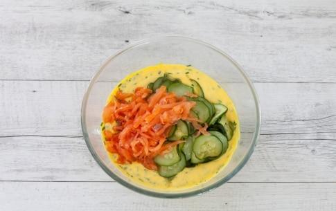 Preparazione Torta salata al salmone e zucchine - Fase 2
