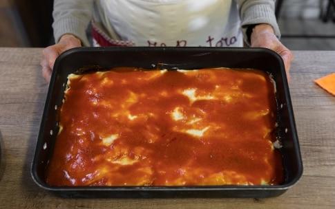 Preparazione Cannelloni di crêpes con ricotta e spinaci al sugo di carne di nonna Melina - Fase 6