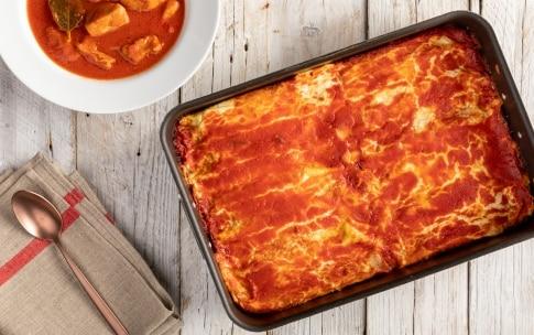 Preparazione Cannelloni di crêpes con ricotta e spinaci al sugo di carne di nonna Melina - Fase 7