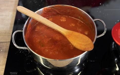Preparazione Cannelloni di crêpes con ricotta e spinaci al sugo di carne di nonna Melina - Fase 2