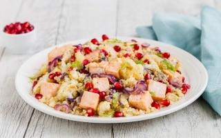 Insalata di salmone con quinoa,...