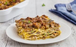 Lasagne funghi e salsiccia