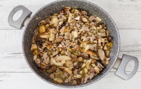 Preparazione Lasagne funghi e salsiccia - Fase 2