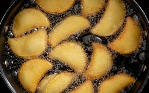 Preparazione Tortelli fritti di Natale - Fase 6