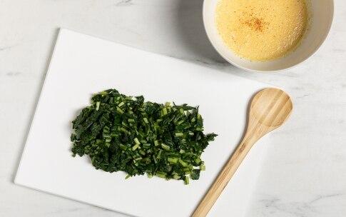 Preparazione Frittata di cicoria al forno - Fase 2