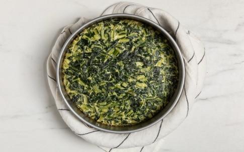 Preparazione Frittata di cicoria al forno - Fase 3