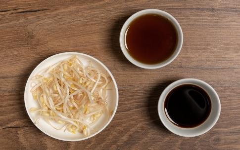 Preparazione Spaghetti di riso con verdure - Fase 1