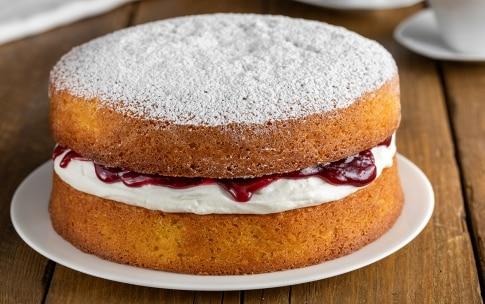Preparazione Victoria Sponge Cake - Fase 4