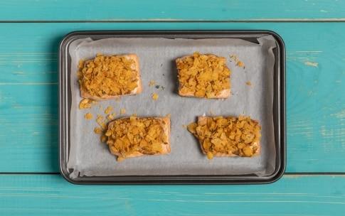 Preparazione Bocconcini di salmone alla senape e corn flakes - Fase 3