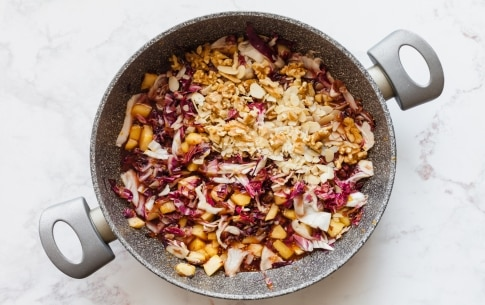 Preparazione Chutney di radicchio di Chioggia, arancia e frutta secca  - Fase 4