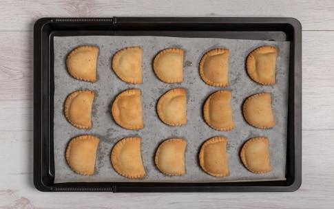 Preparazione Ravioli dolci di Carnevale al forno - Fase 4