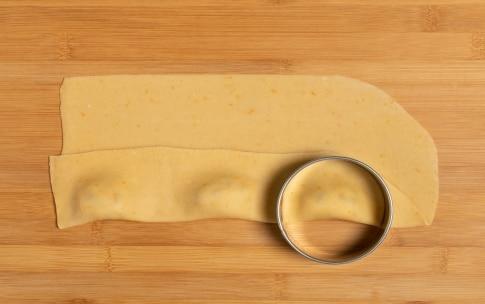 Preparazione Ravioli dolci di Carnevale al forno - Fase 3