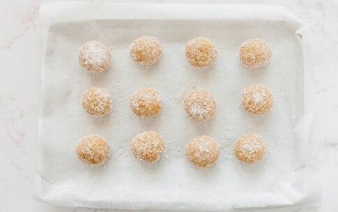 Preparazione Tartufini cocco, cioccolato bianco e limone - Fase 4