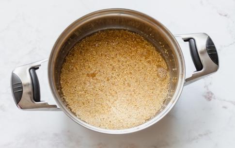 Preparazione Cestini di insalata di Lusia IGP con bulgur, carote e noci pecan  - Fase 1