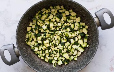 Preparazione Pasta con zucchine - Fase 1