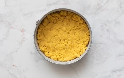 Preparazione Sbriciolata con crema Rossana - Fase 3